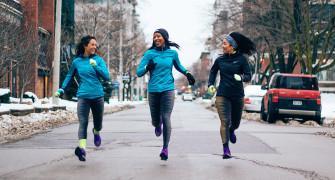běžecké legíny nebo kalhoty